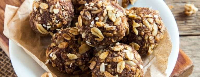 cacao oat and nut butter balls